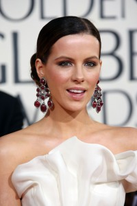 Kate Beckinsale wearing garnet earrings