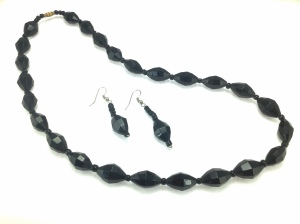 "The ""Nneka"" Necklace Set"